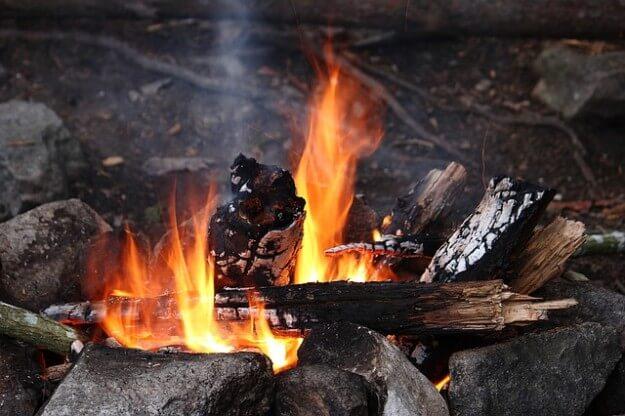 焚火のイメージ