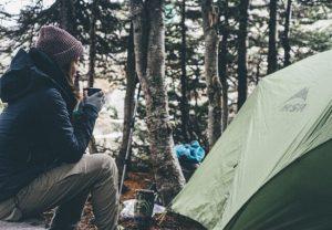 キャンプが大好きな女性にオススメのシュラフ10選