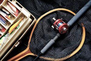 釣りでキャンプの食料ゲット!初心者におすすめする種類別釣り道具 30選