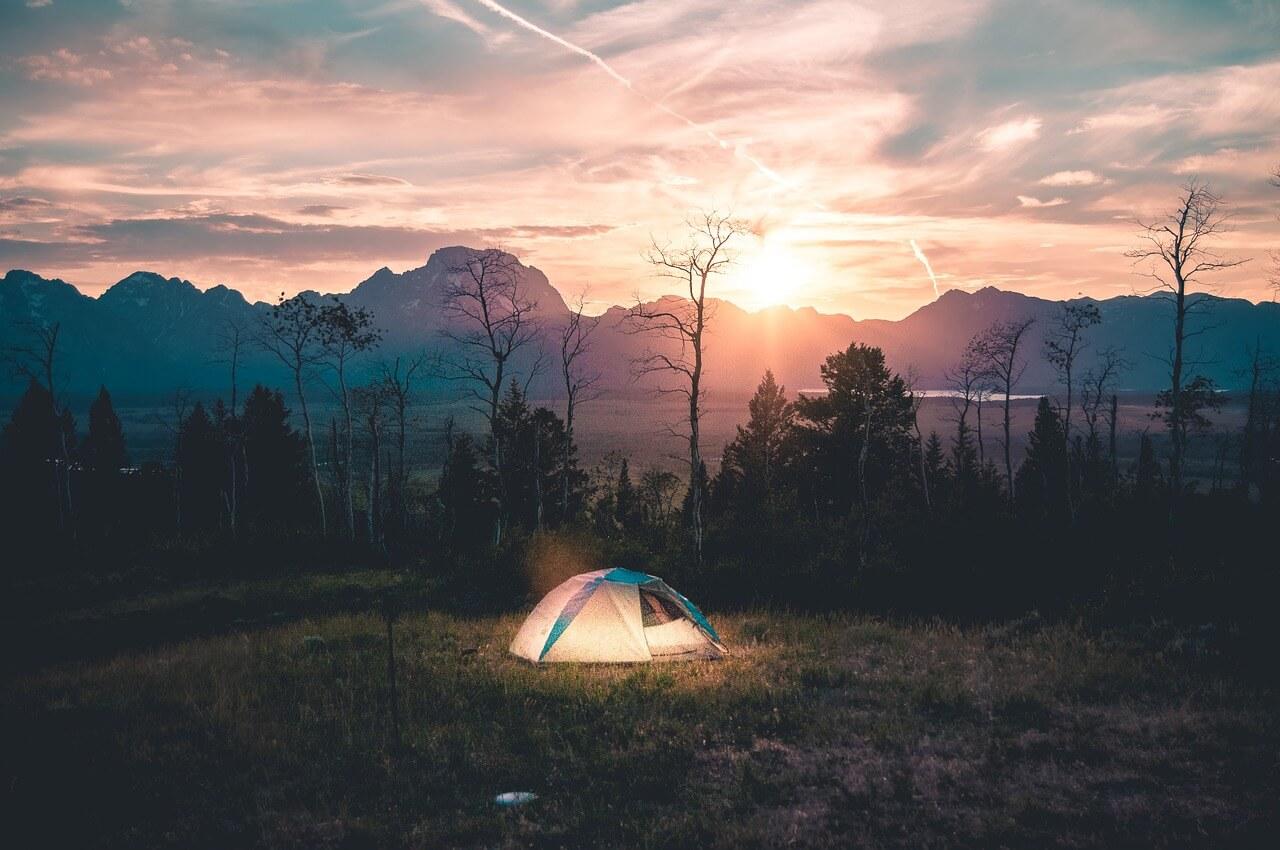 tent-926573_1280