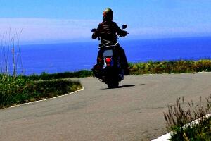 夏夏はバイク風が最高に気持ちいい